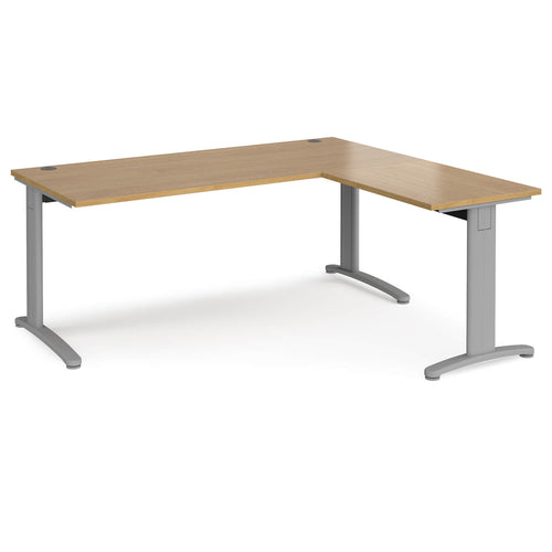 TR10 desk 800mm deep with return