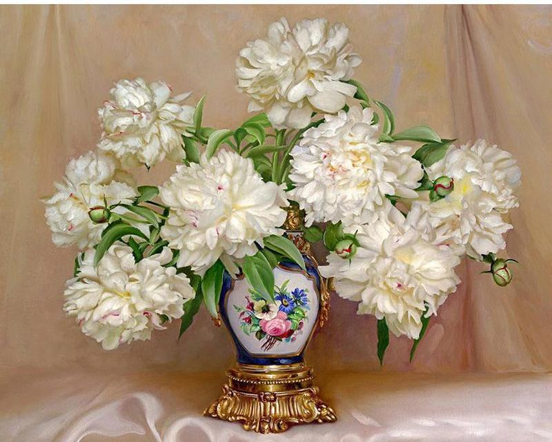 White Flowers in a Royal Vase - Paint yourself with Paint by Numbers
