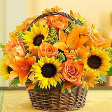 Load image into Gallery viewer, Sunflowers & Roses Basket