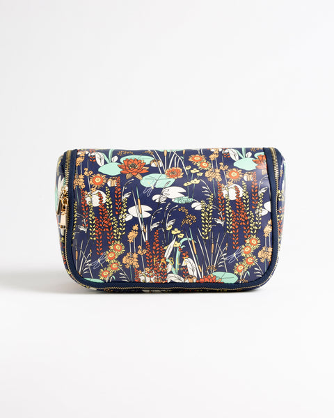 Pond Hanging Washbag