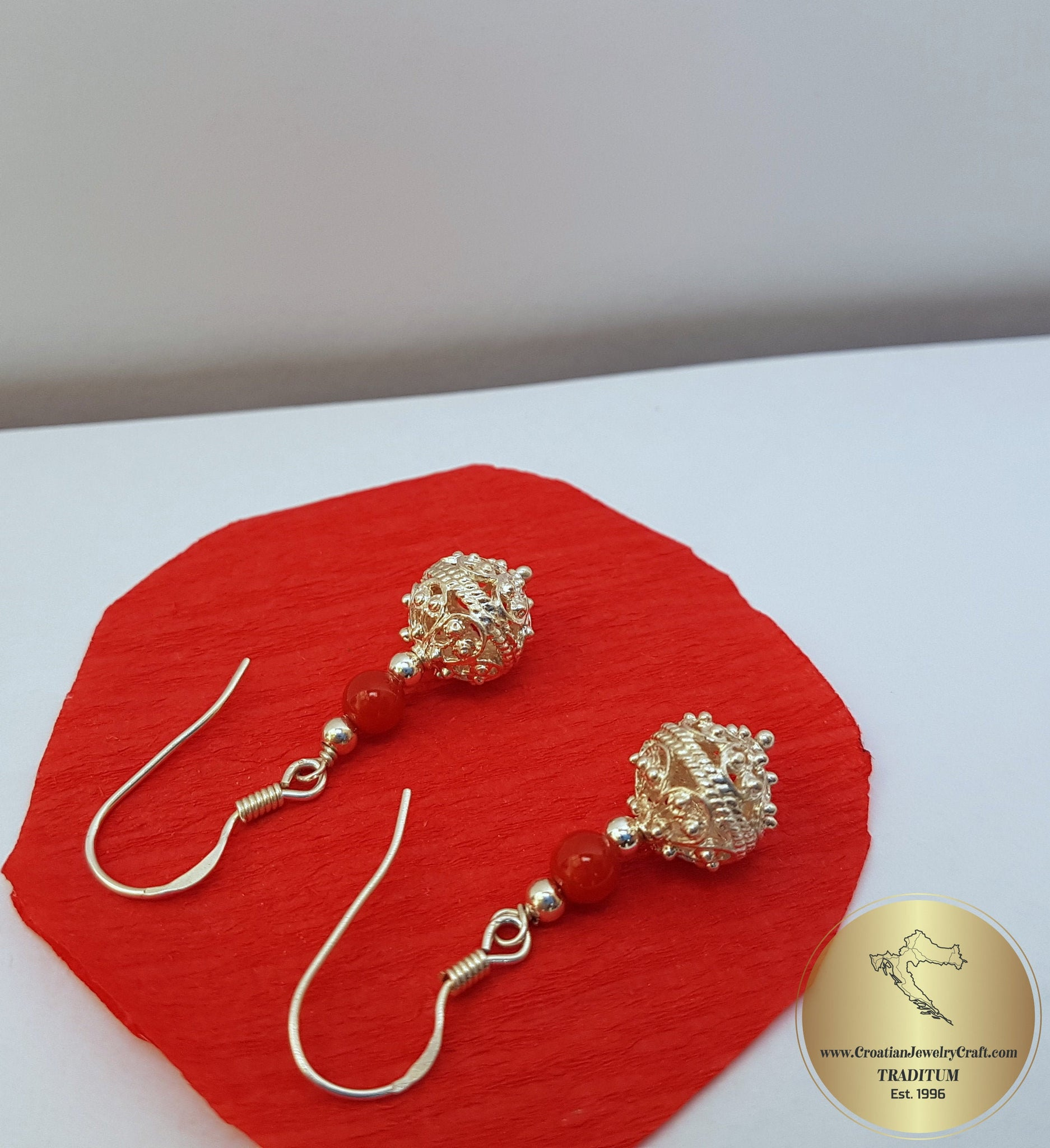 mediterranean red coral Half drilled for earrings corallo Corallium rubrum 7,1 mm matching pair Koralle corail