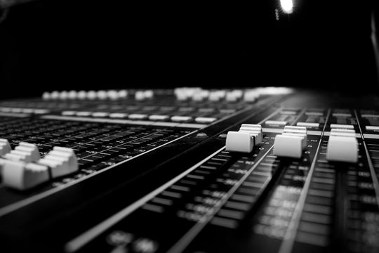 Impressive Audio Engineering Resume Samples and Templates
