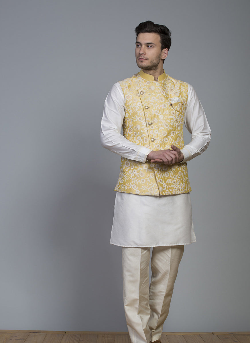 Embroidered Silk Bundi With Kurta Set