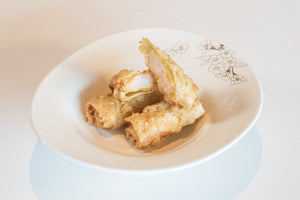 Crispy bean curd roll filled with prawn and lychee