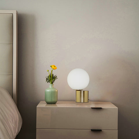 TIP OF THE TONGUE TABLE LAMP2