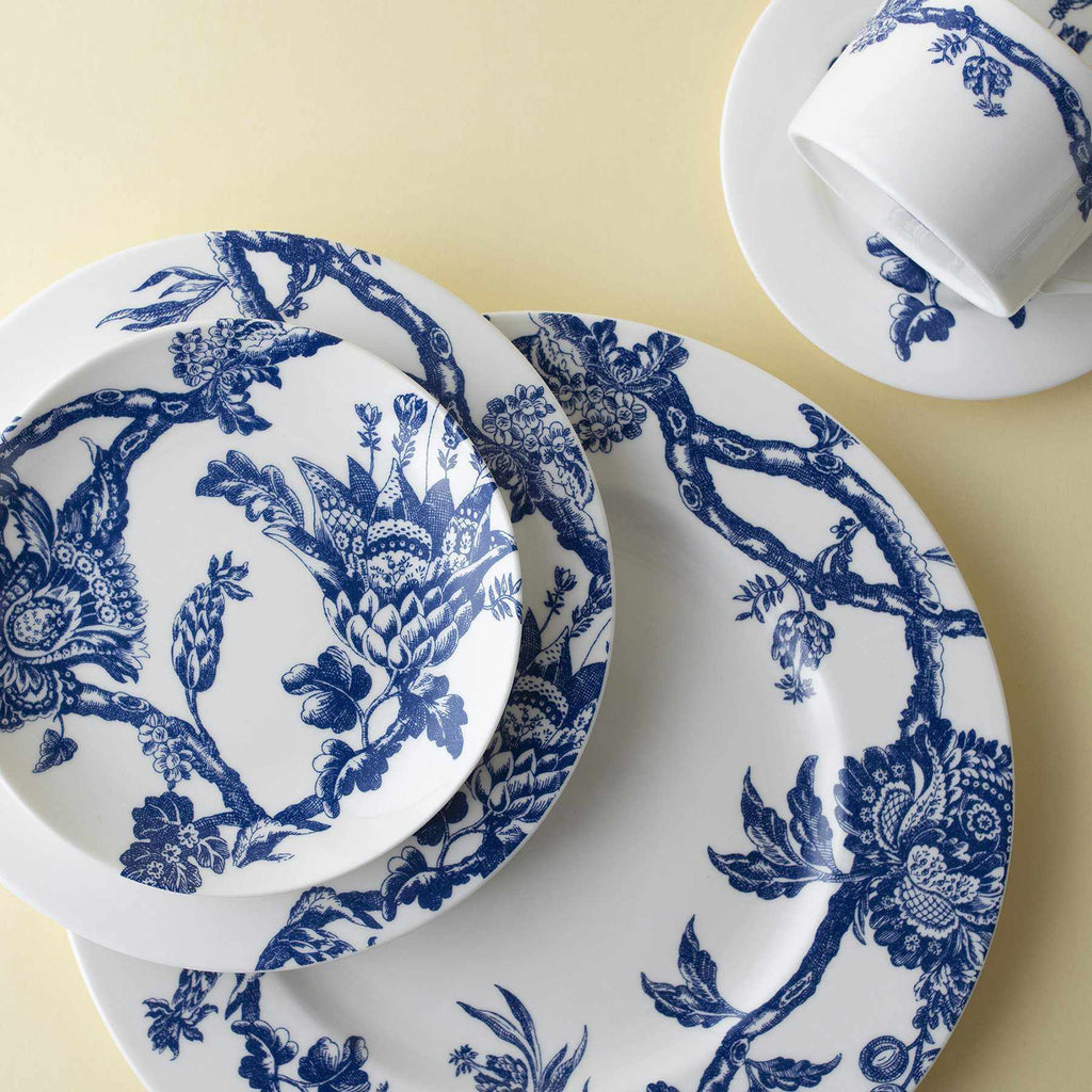 Colonial Williamsburg Arcadia Blue 5 Piece Place Setting (Dinner, Salad, Bread Plate, Cup & Saucer)