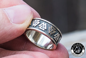 Odin's Knot Valknut Ring, 925 Sterling Silver. Unique Viking Jewelry by VALKNUT viking & Norse Fashion.