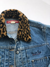 Load image into Gallery viewer, Vintage Denim Jacket (4395214307446)