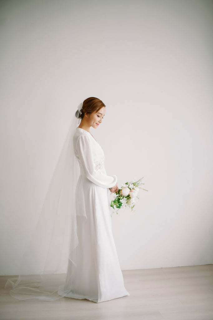 Sheer Two Tier Chapel Length Veil