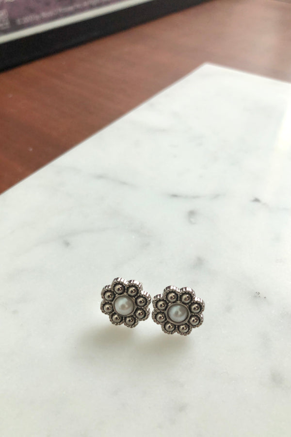 Pearl Flower Stud Earrings