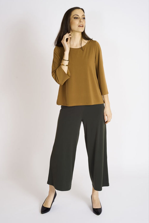 Box top #BOX-1070 Cognac. Crop Pant #CLT-3012 Olive