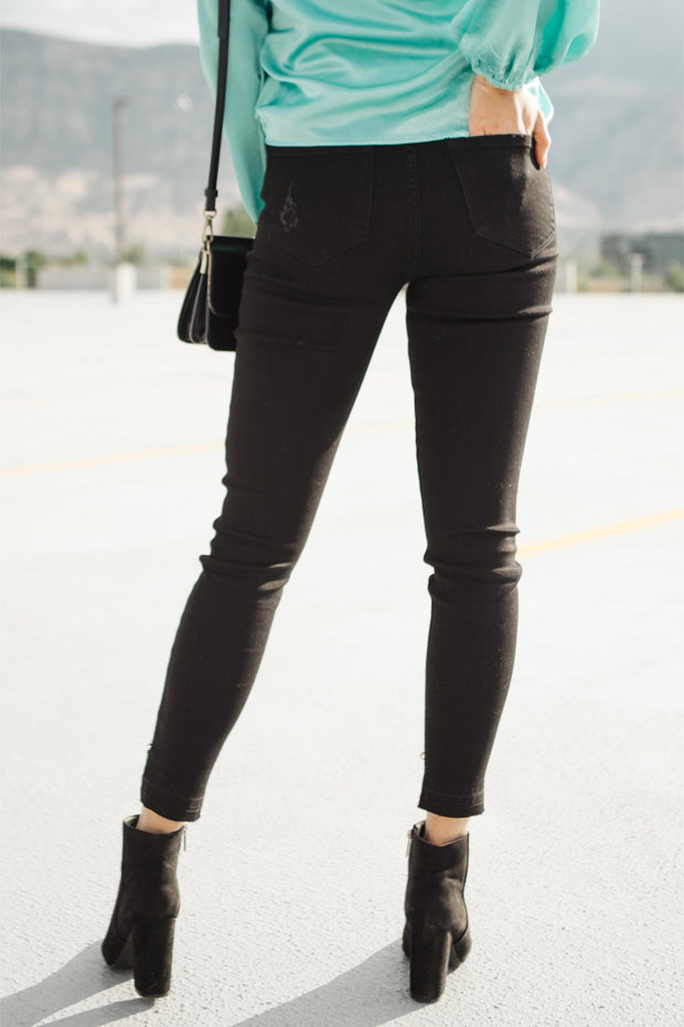 KanCan A Notch Above Black Jeans
