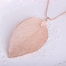 Load image into Gallery viewer, Leaf Pendant Necklace
