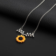 Load image into Gallery viewer, Sunflower Pendant Necklace
