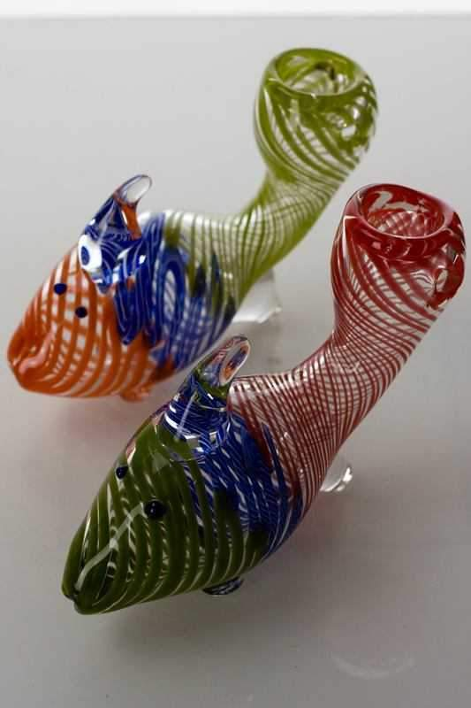 Goldfish shape glass hand pipe - One wholesale Canada