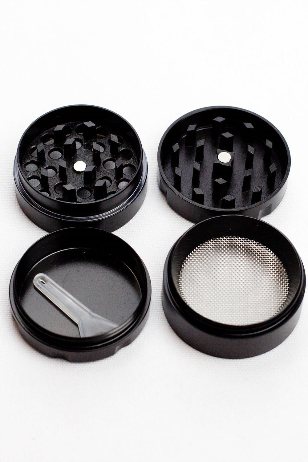 4 parts infyniti small rasta leaf herb grinder - One wholesale Canada
