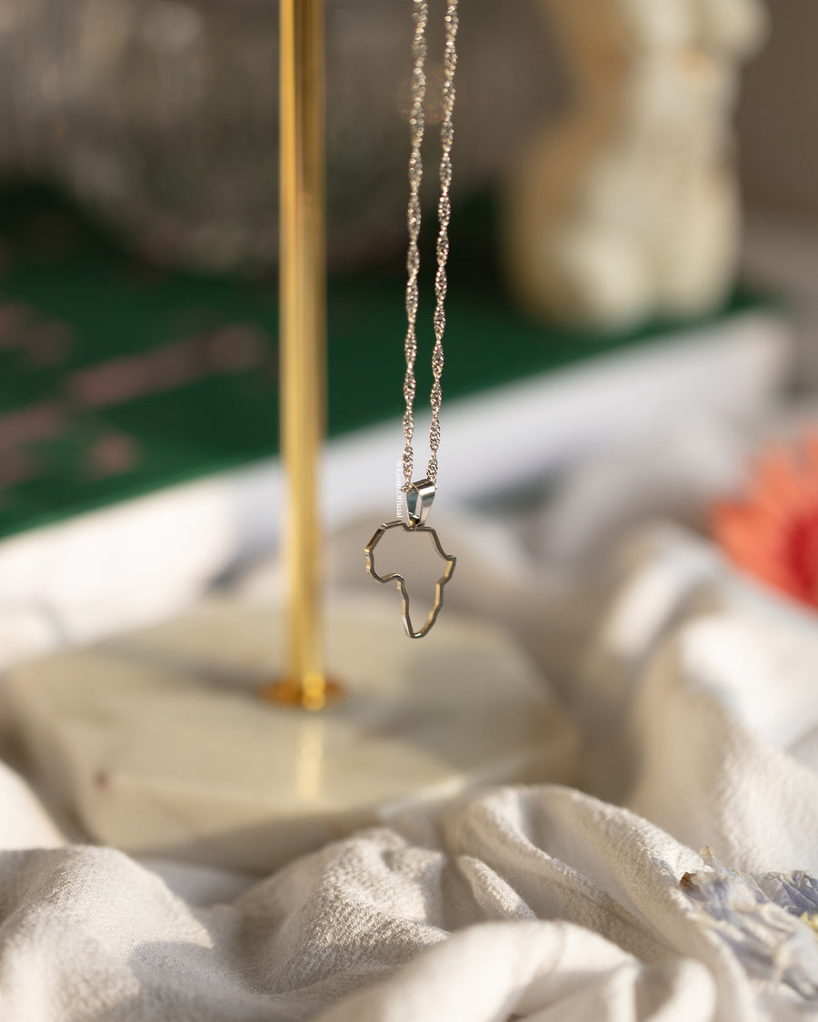 Africa Outline Mini Necklace - KIONII