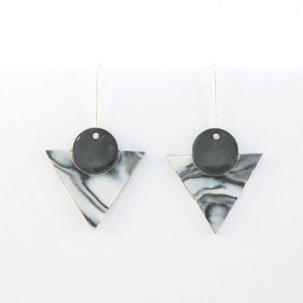 Deco marble pointed earrings