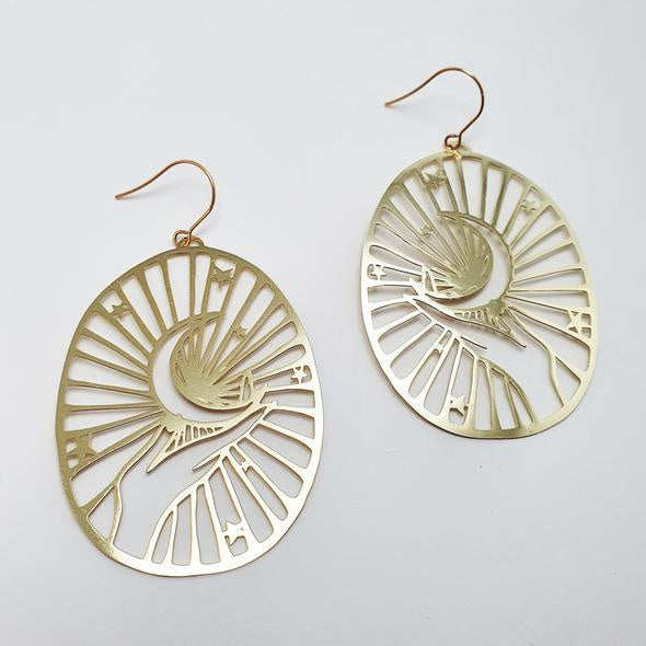 Crescent Moon Hand Earrings - Gold