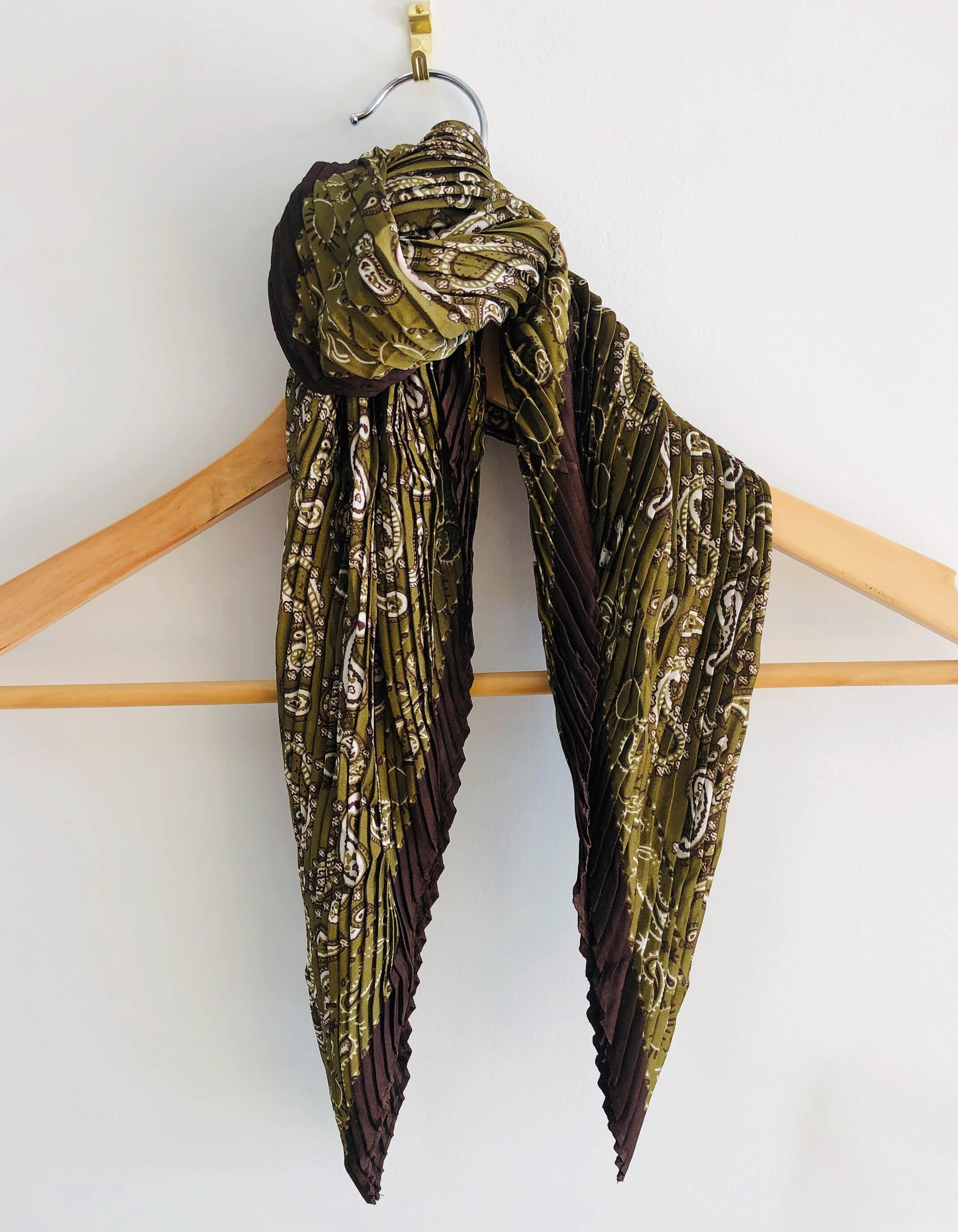 Scarf – Square Olive Paisley