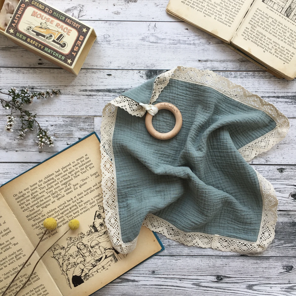 Muslin Lovey Lace Trim With Teether - Sage