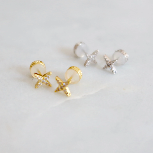 Tiny Star Stud - Gold