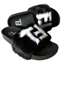 TℲ Super Soft Mink Slippers