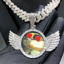 Load image into Gallery viewer, Wing Pendant