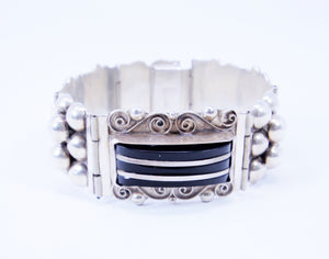 Native American Sterling Silver and Onyx Jewelry Bracelet with Bubble Design