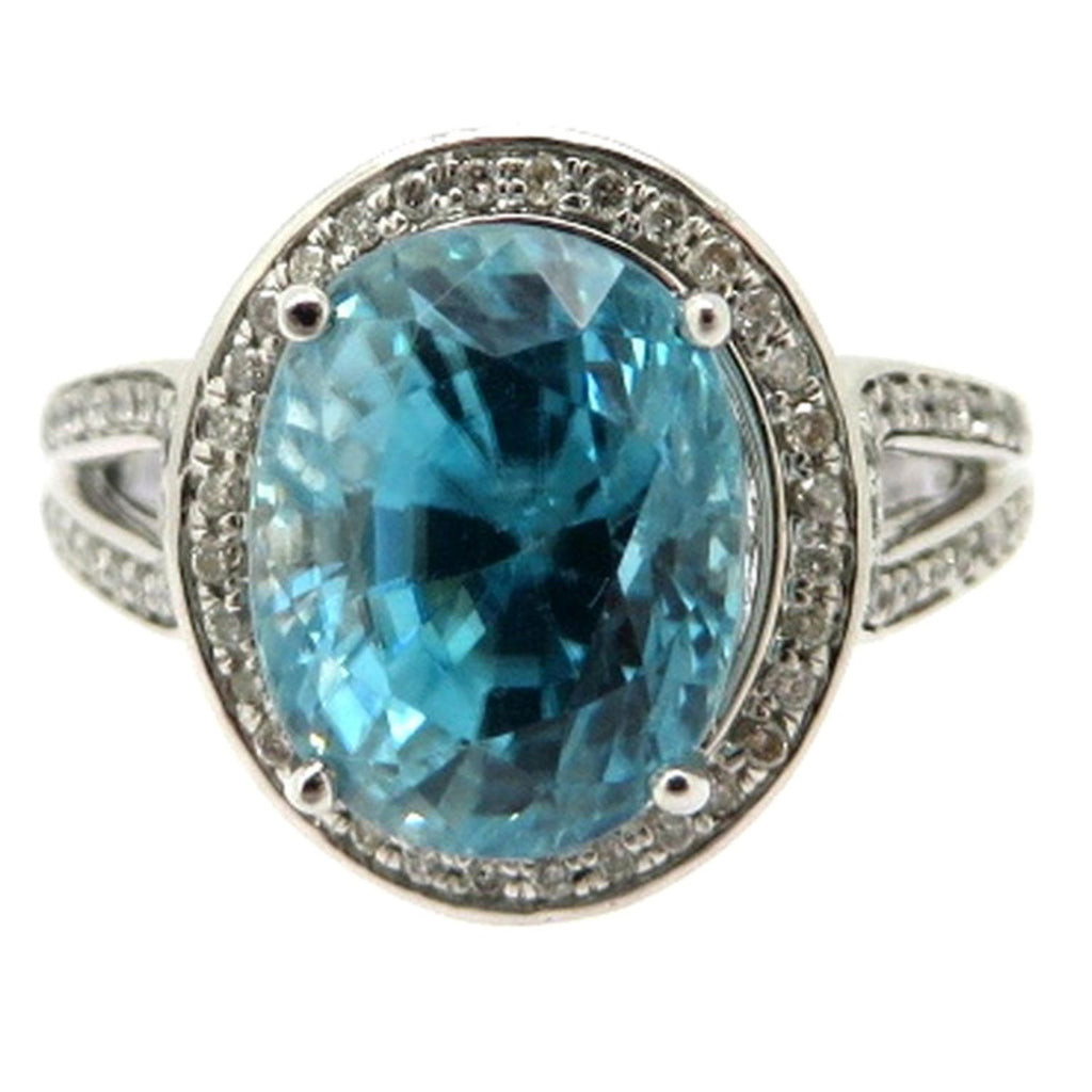 14 Karat White Gold 5.00 Carat Blue Zircon and Diamond Halo Fashion Ring, Size 6.75