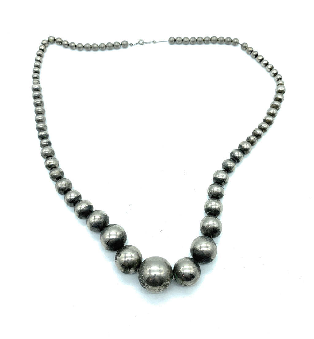 Vintage 1970's Navajo Sterling Silver 'Navajo Pearls' Bead Necklace