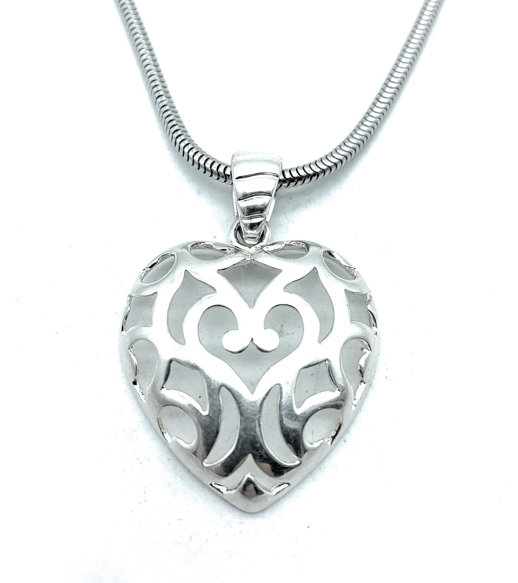 Milor Italy Sterling Silver Puffed Filigree Openwork Heart Pendant Necklace