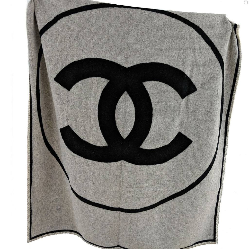 Chanel Cashmere Wool CC Reversible Traveling Rug Throw Blanket A52243