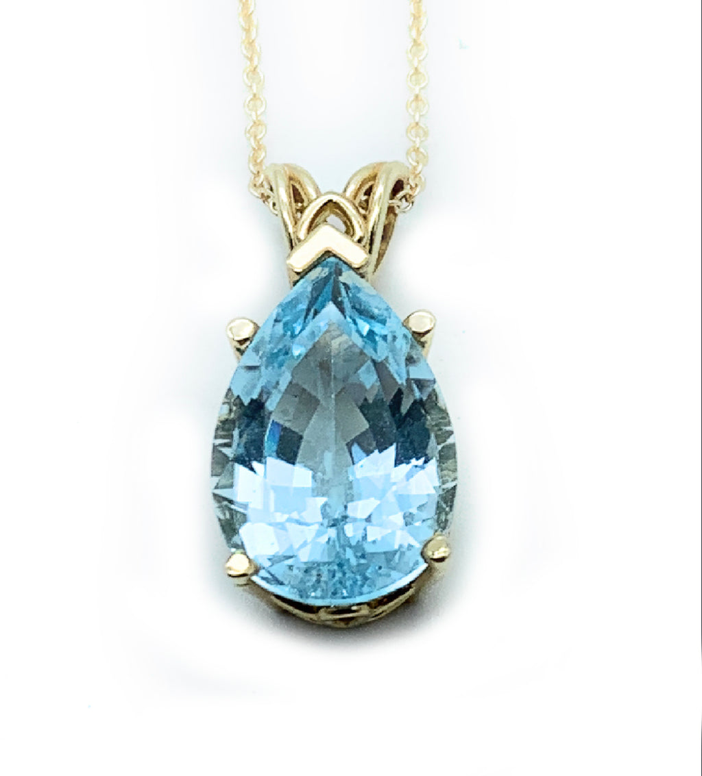 14K Yellow Gold & 8.00ct Blue Topaz Pendant and Necklace