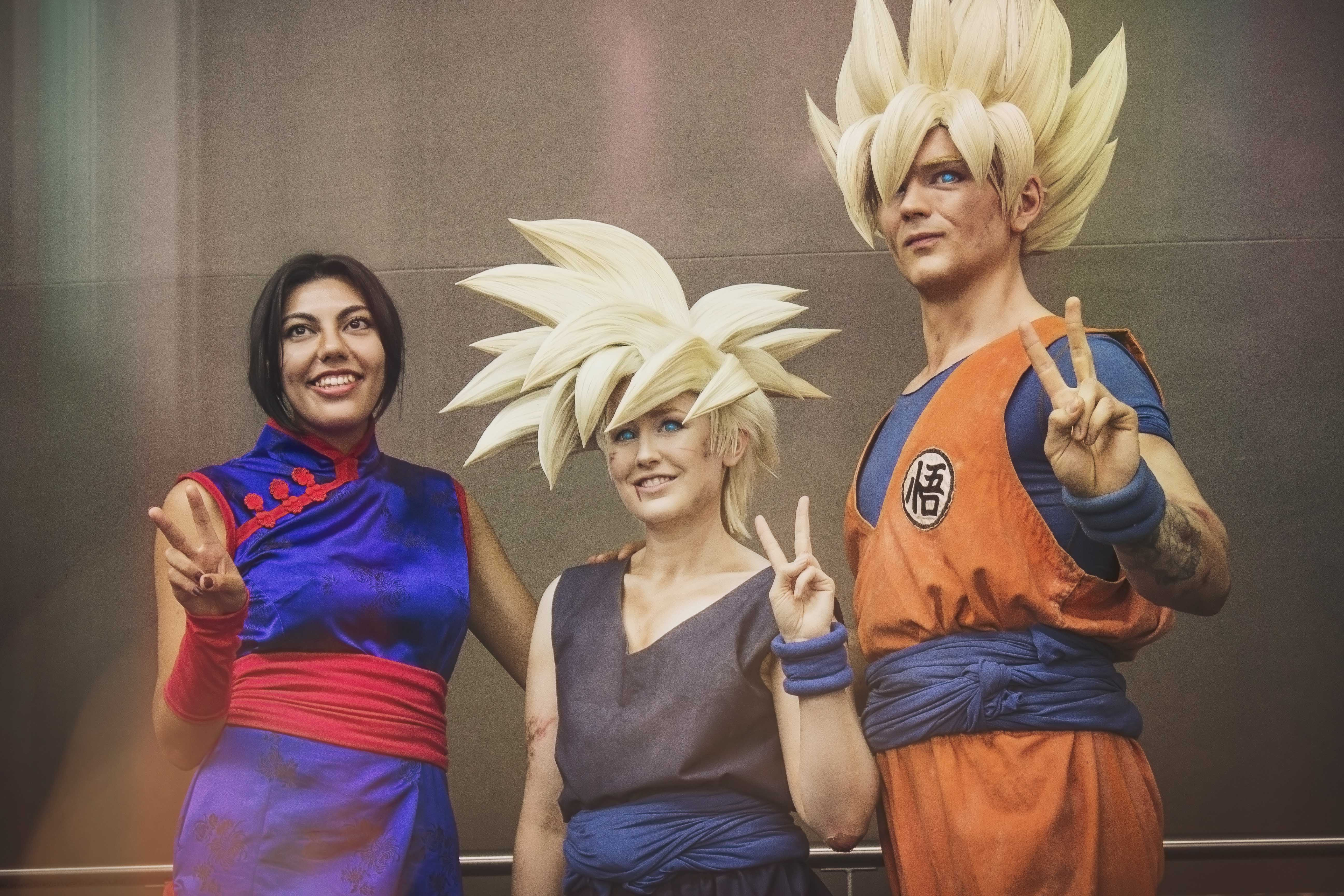 Son Family Cosplay! Gohan, Goku, and Chi-Chi from DragonBall Z