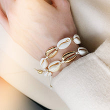 Load image into Gallery viewer, Bali Shell Bracelet