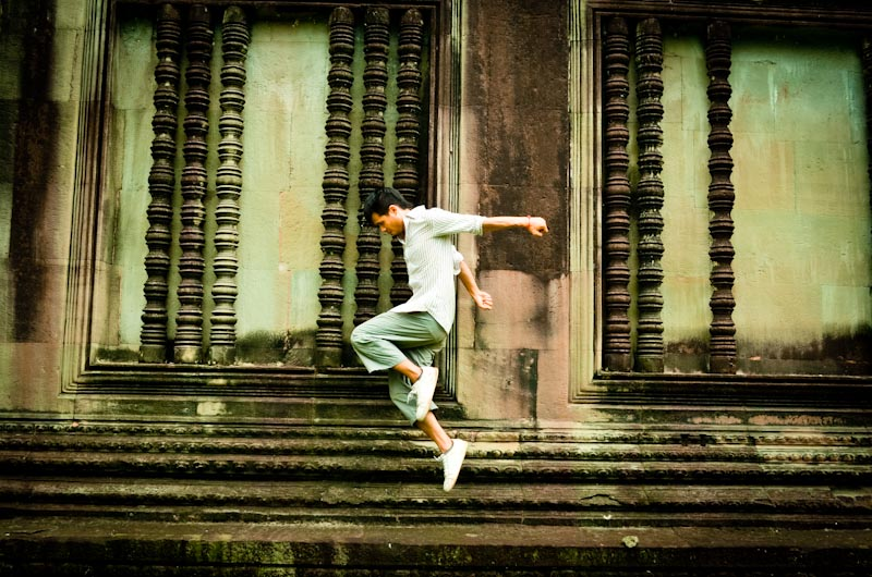 EDM Dance Moves: Forward Kick Step (Angkor Wat Edition)