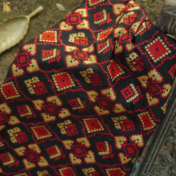 Mehroon & Red Ikaat Banarasi Fabric - Khinkhwab