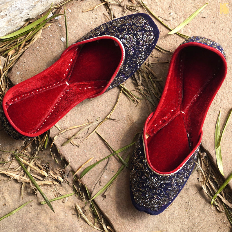 Handcrafted Punjabi Juttis with Velvet & Embroidery - Khinkhwab