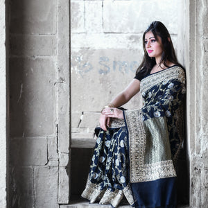 Black Pure Georgette Handloom Banarasi Saree with Exclusive Gotta Patti Work - khinkhwab