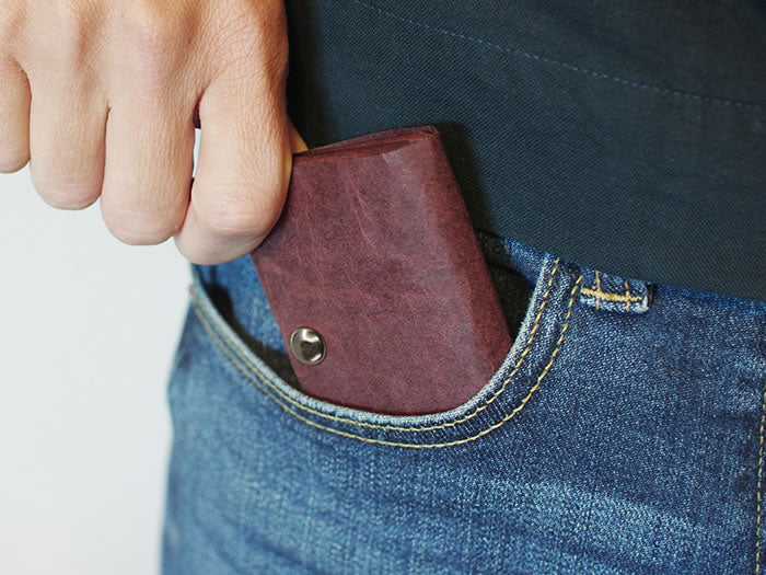 Kamino Wallet is a minimalist, slim wallet that fits in your front pocket.