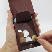 Load image into Gallery viewer, Kamino slim bifold wallet holds coins.