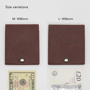 Kamino slim bifold wallet comes in two sizes to fit larger banknotes such as EUR and GBP.