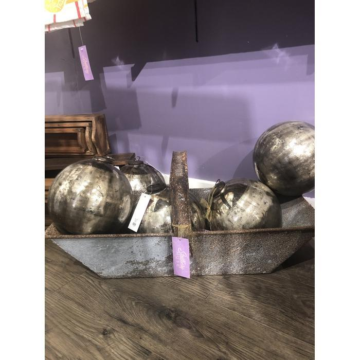 Lg Metal Distressed Basket