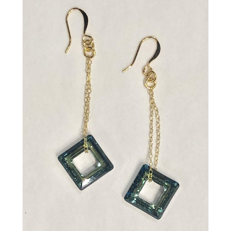 Navy Open Square on Chain