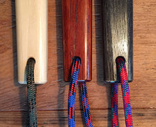 Load image into Gallery viewer, tessen lanyard color choices: green, blue and red