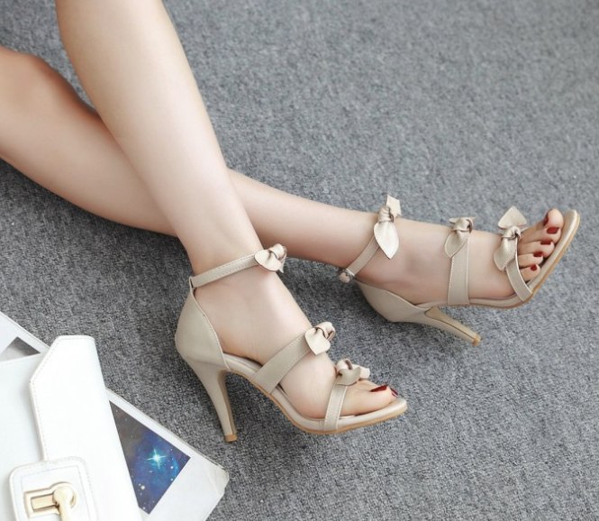 Nova Trends® Tri-Bow High Heels