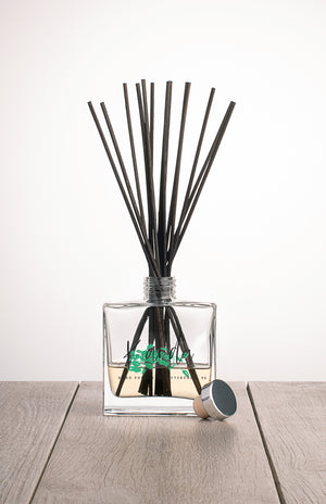 Reed Diffuser With Black Reeds