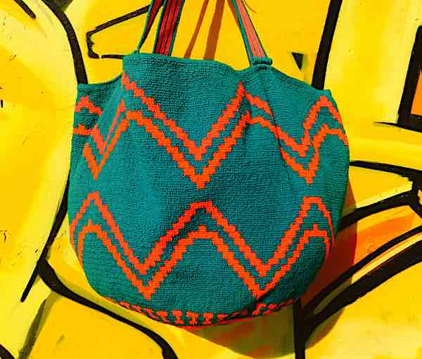 Wayuu Bag XL in grün-orange
