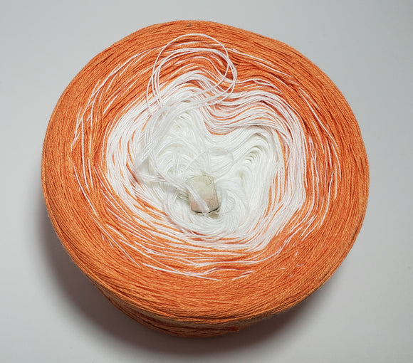Glimmer Gradient Yarn With Shimmer